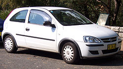 2005 Holden Barina (XC MY05) 3-door hatchback (2007-04-16).jpg