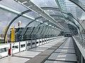 20070206055DR Dresden-Klotzsche Flughafen Terminal 3 Brücke.jpg