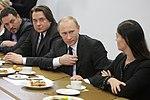 2011-02-03 Владимир Путин с коллективом Первого канала (19).jpeg