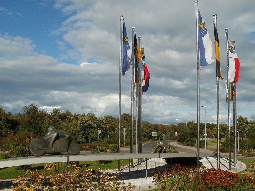 20110814Motorradfahrer-Denkmal Hockenheim1