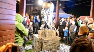Αρχείο:2014-10-22 Poland Slubice unveiling of the wikipedia monument.webm