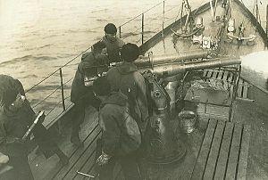 """3""""/23 caliber gun - Image: 3 inch 23 caliber gun aboard USS SC 291"""