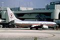 377ap - American Airlines Boeing 737-823, N951AA@MIA,03.09.2005 - Flickr - Aero Icarus.jpg