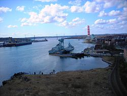 3 Oberon Subs Halifax Harbour Dartmouth 2010 April 21.JPG