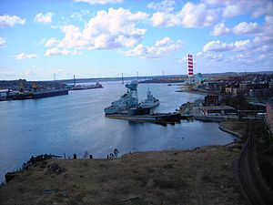 HMS Olympus (S12) - Image: 3 Oberon Subs Halifax Harbour Dartmouth 2010 April 21