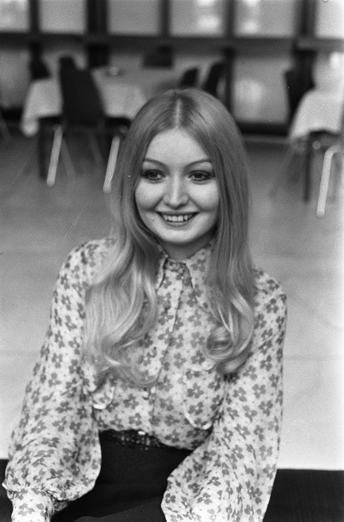 List Of Uk Top Ten Singles In 1968 Wikipedia
