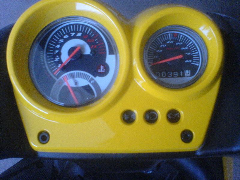 Yamaha Aerox, einer der meistverkauften Motorroller in Deutschland  800px-Aeroxtacho