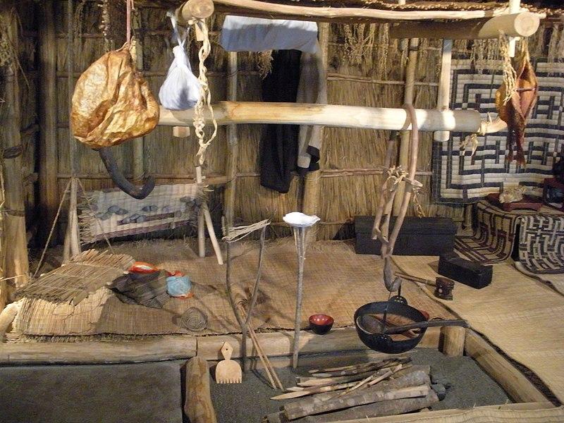 Ainu traditional house%E2%80%9Dcise%E2%80%9D3.jpg