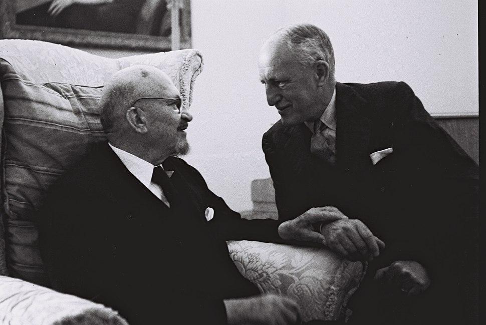 Alexander Knox Helm 1951