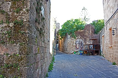Alley in Medieval Rhodes 2010 2.jpg