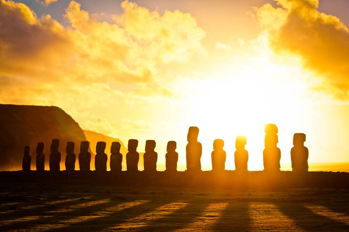 Px Amanecer En Tongariki C Isla De Pascua Flickr Alanbritom
