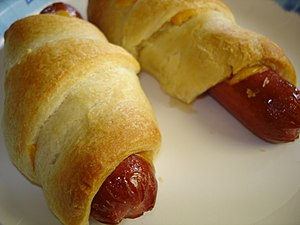 English: American-style pigs in blankets. (Photo credit: Wikipedia)