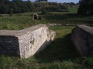 Suasa - Entrance to Suasa amphitheater from a vomitorium.
