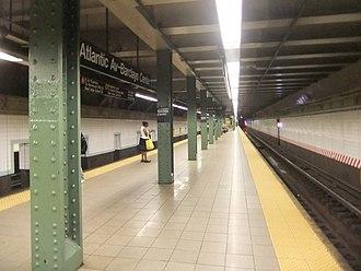 Atlantic Avenue–Barclays Center (New York City Subway) - Manhattan-bound platform