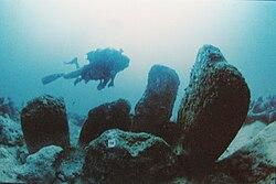 Atlit-Yam, Ritual structure made of stones.JPG