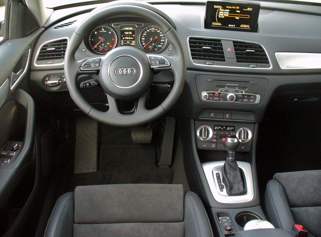 Plik audi q3 2 0 tdi quattro s tronic phantomschwarz for Audi q3 photos interieur