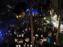 Auditorium Garden Cocktail - Wikimania 2011 P1040154.JPG