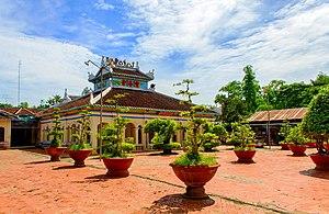 Châu Phú District - Image: Bửu Hương tự