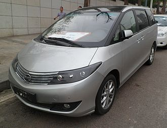 BYD M6 - Image: BYD M6 01 China 2012 06 07
