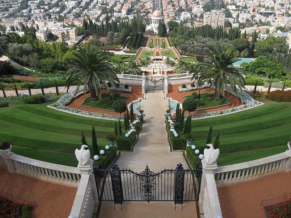 Baha'i gardens in Haifa (7735893094)