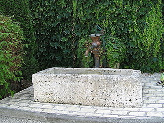 Baignes-Sainte-Radegonde - An old water Trough