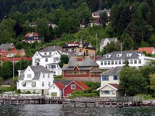 Balestrand Norwegen; Blick auf St. Olaf´s Church