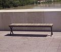Banquillo en el Puente Romano.JPG