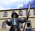 Bauernkämpfer-Statue in Aidenbach.JPG