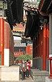 Beijing-Lamakloster Yonghe-86-Durchgang-gje.jpg