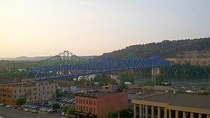 Ben Williamson Memorial Bridge - Image: Ben Williamson Memorial Bridge and Simeon Willis Memorial Bridge