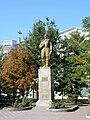 Berdyansk-2017 Monument of P.Osypenko 02 Pryvokzalna Square (YDS 5085).jpg
