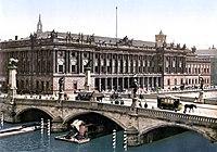 Berlin Börse mit Friedrichsbrücke um 1900.jpg