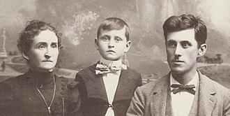 David Townsend (art director) - Bertha (Towberman) and Glenn Eli Townsend with son David Wood Townsend.