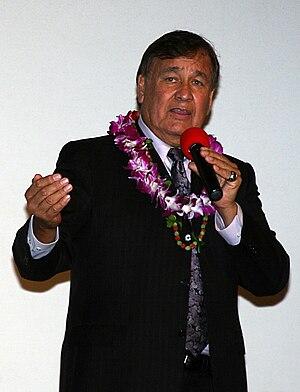 Billy Mills - Mills speaking at Schofield Barracks in November 2010