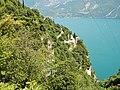 Blick zum Lago di Garda und zur Sentiero del Ponale di Giacomo Cis - panoramio.jpg