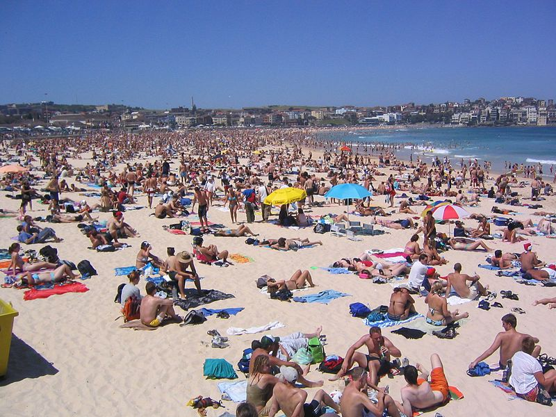 File:Bondi Beach (2050515990).jpg