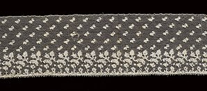 Picot - Bobbin lace border with picot edging. Study Collection, ST271, ModeMuseum Provincie Antwerpen.