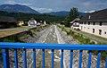 Brücke über den Bach in Vorderberg, errichtet 2008, Gemeinde Sankt Stefan im Gailtal, Kärnten.jpg