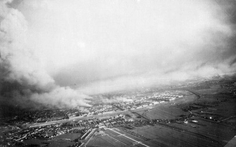 Bundesarchiv Bild 141-1114, Rotterdam, Luftaufnahme von Br%C3%A4nden