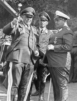 Albert Kesselring - Kesselring (left), with his chief of staff, Wilhelm Speidel (centre), and Hermann Göring (right) – 1940