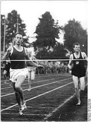 Bundesarchiv Bild 183-32892-0010, Horst Mann, Willi Bromberger.jpg