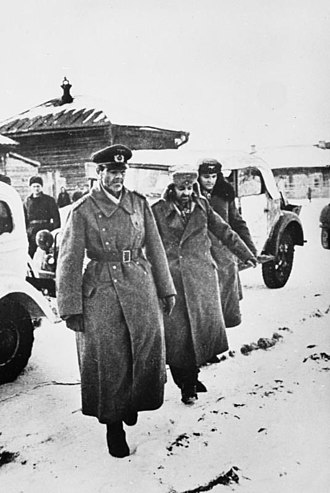 Friedrich Paulus - Paulus (left) and his aides Col. Wilhelm Adam (right) and Lt.-Gen. Arthur Schmidt (middle), after their surrender in Stalingrad