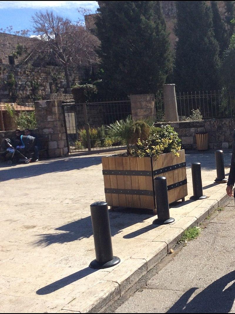 Byblos castle 2014.jpg