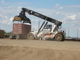 Reach stacker - Image: CN Box Car Loader