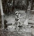 COLLECTIE TROPENMUSEUM Portret van een meisje met kind op schoot TMnr 60052398.jpg