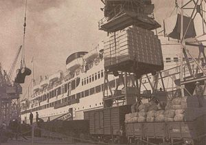 The Molteno Brothers - Glen Elgin produce being loaded for export at Cape Town harbour.
