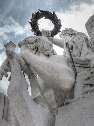 Rua Augusta Arch - Image: Calmels sculpture detail at Arco da rua Augusta 2014 06 28 2014 06 28 16 41 18