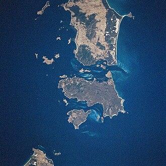 Cape Barren Island - Cape Barren Island (center) from space, January 1997