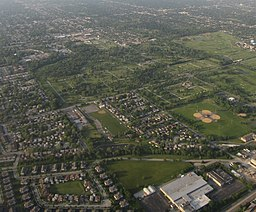 Cemeteries, Golf Clubs, and Parks, Blue Island, Illinois on Approach to Chicago Midway (7238215886).jpg