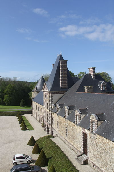 Chateau De Canisy, Roof